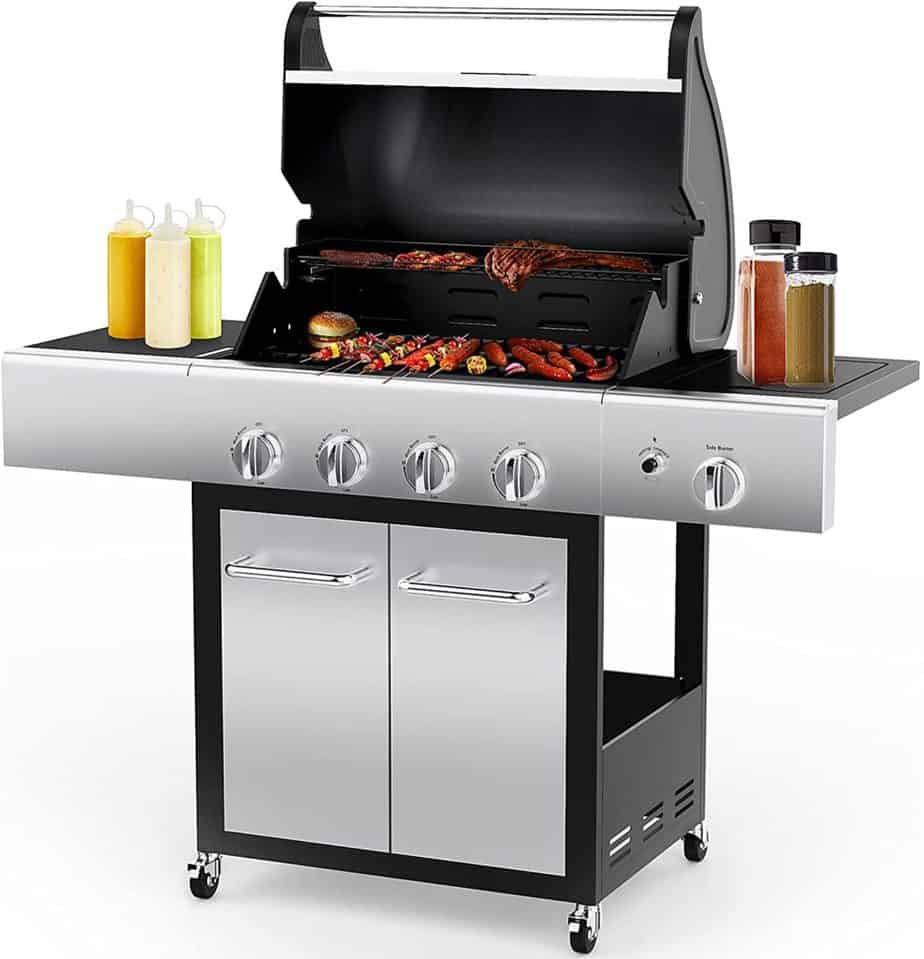 Cart-styled liquid propane grill by Rinkmo