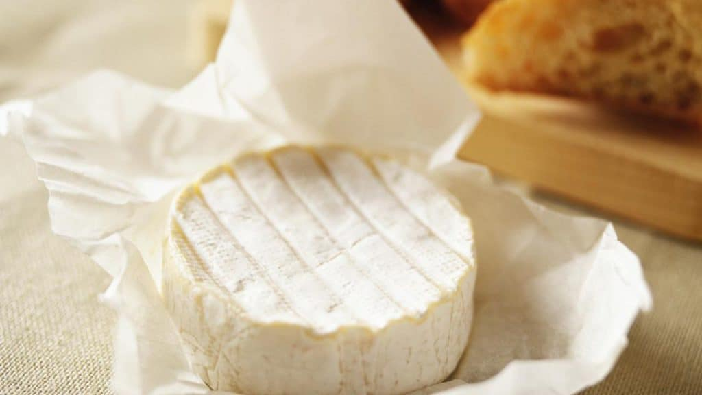 Can you freeze Brie cheese wheel
