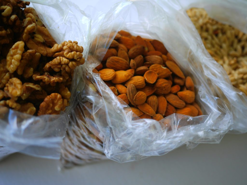 Can you freeze pine nuts